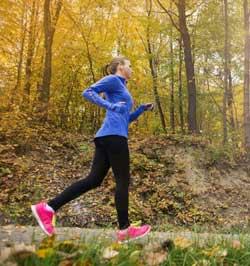 Γυναίκα κάνει jogging